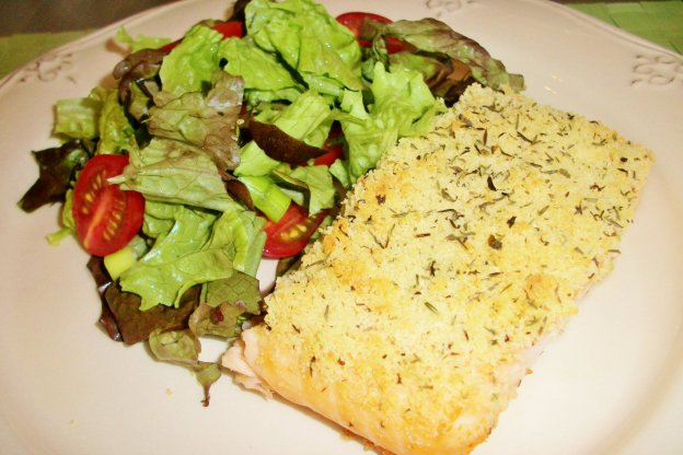DINNER-PAL Salmon With Crusty Thyme Topping