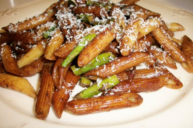 DINNER-PAL Penne With Roasted Asparagus And Balsamico