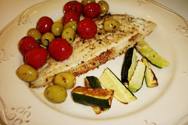 DINNER-PAL Sole With Olives And Cherry Tomatoes
